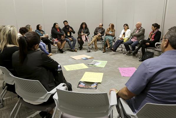 Documento reúne estratégias para apoiar a implementação de Comunidade de Aprendizagem