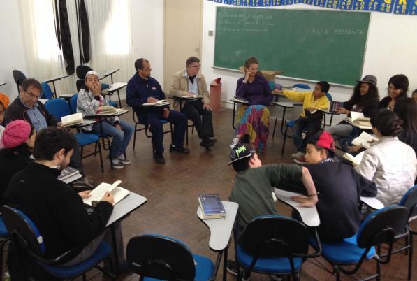 Professores da Universidade de Córdoba compartilham experiências e esperança em escolas do Brasil