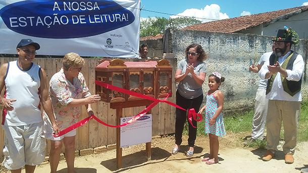 Estação de Leitura inaugurada na comunidade de Retiro Feliz, em Tremembé (SP)