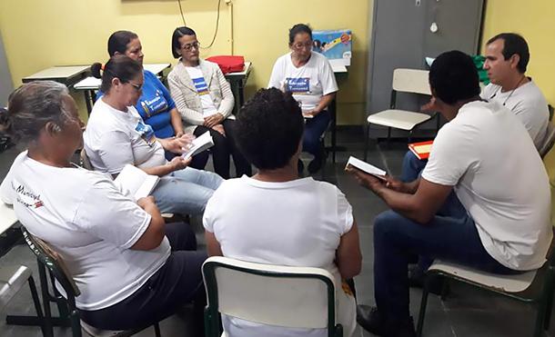 Tertúlia Dialógica Literária com turma do EJA - EMEF Nicolau Ruiz
