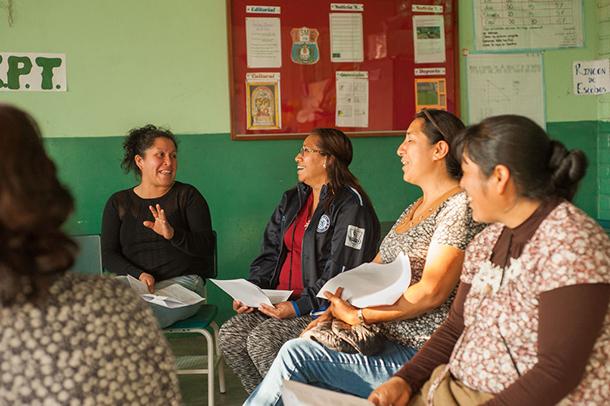 Familias participan de Tertulias en la escuela IIEE 110 San Marcos