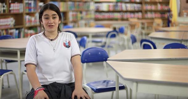 Juliana Betancur, estudante do 6º ano da escola Loma Linda, em Itaguaí, Colômbia