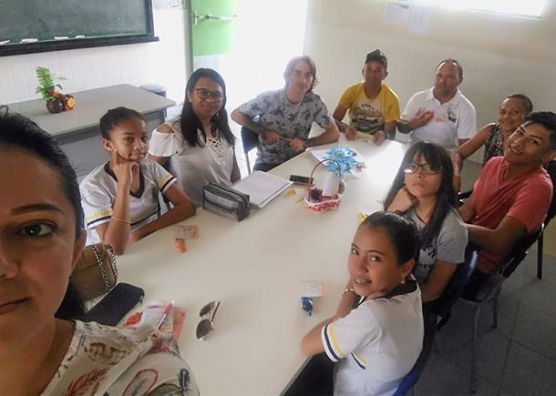 Comissão Mista da escola Domitília Assunção conta com estudantes, membros da equipe escolar, familiares e pessoas da comunidade